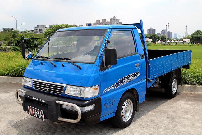 MITSUBISHI Delica 2.0 2006